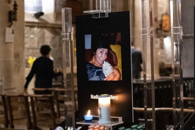 Le portrait de Nadine Devillers, une des trois victimes de l'attentat du jeudi 29 octobre à Nice, est exposé dans la basilique de la ville, le 1er novembre.