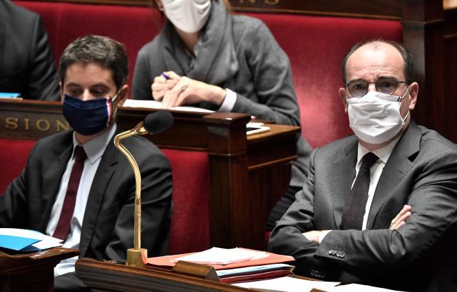 Le porte-parole du gouvernement Gabriel Attal et le premier ministre Jean Castex, à l'Assemblée nationale à Paris, le 3 novembre.