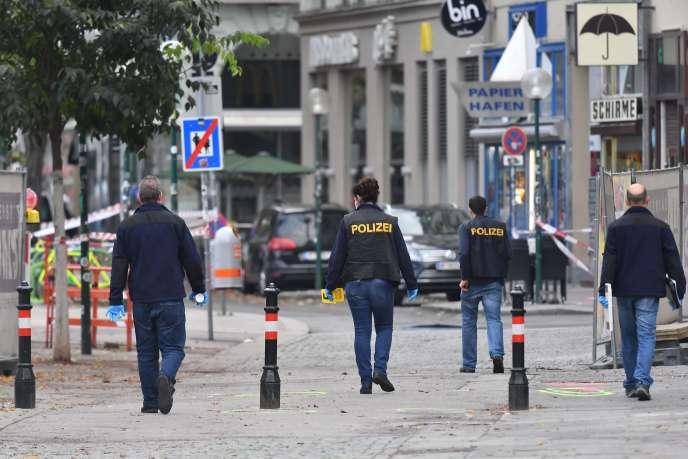 Les enquêteurs travaillent sur les lieux de l'attentat à Vienne, le 3 novembre 2020.