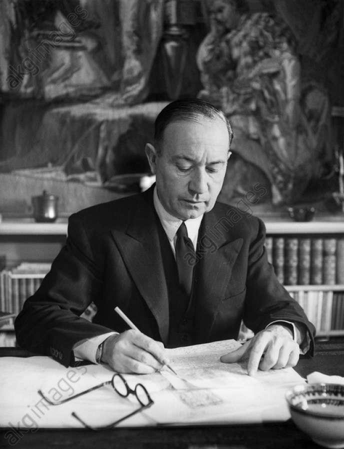 Paul Morand à Berne, où il est quelques mois ambassadeur en 1944, avant que la Suisse ne devienne son pays d'exil.