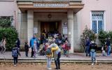 Lyon le 2 novembre 2020. Rentrée des classes à l'Ecole Jean de la Fontaine dans le 4e arrondissement. les élèves portent le masque à partir de 6 ans.