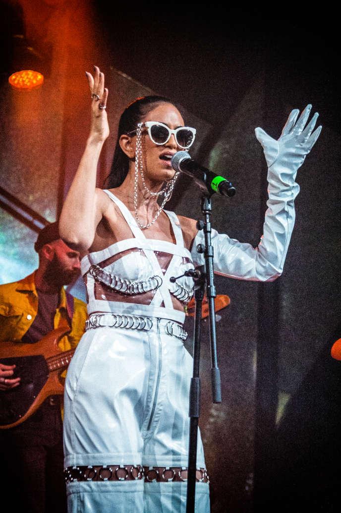 Le 6 juin 2019, la chanteuse se produisait sur la scène du festival de Roskilde, au Danemark.