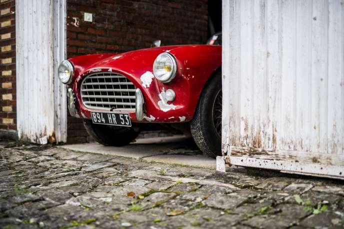 Un roadster AC Bristol de 1960 mis aux enchères par Artcurial Motorcars et dont la valeur est estimée entre 300 000 et 500 000 euros.