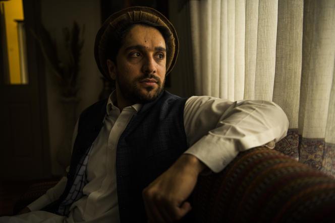 Ahmad Massoud, fils du célèbre chef de la résistance afghane Ahmad Chah Massoud, photographié chez lui, à Kaboul, en Afghanistan, le 25 septembre.
