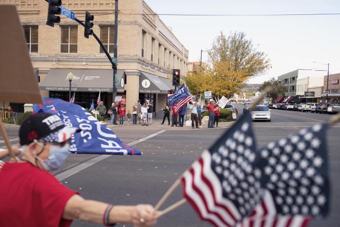 Rassemblement de soutien à Donald Trump dans le centre-ville de Prescott, en Arizona, le 3 novembre.