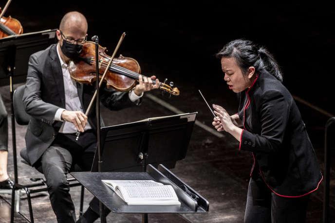 L'Orchestre de Paris sous la direction de la chef Rebecca Tong à la Philharmonie de Paris, le 2 novembre 2020.
