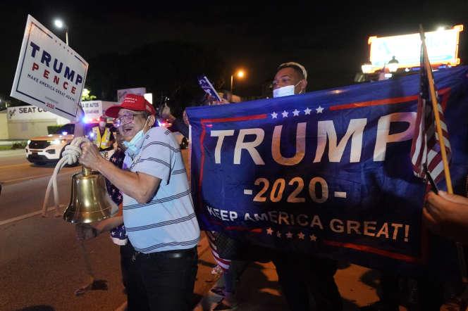 Des partisans de Donald Trump dans le quartier de Little Havana à Miami (Floride) le 3 novembre.