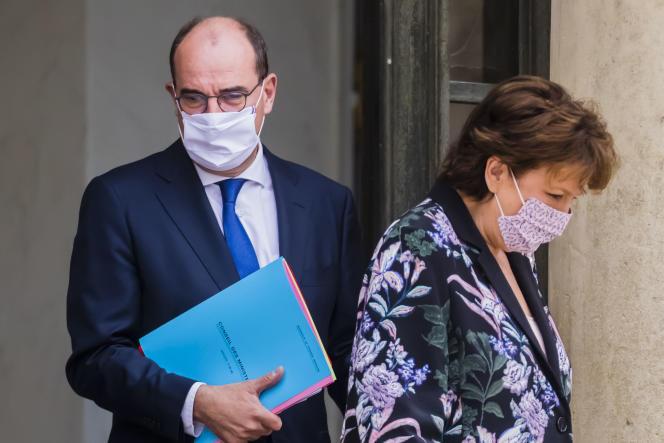 Roselyne Bachelot et Jean Castex au palais de l'Elysée, à Paris, le 23 septembre.