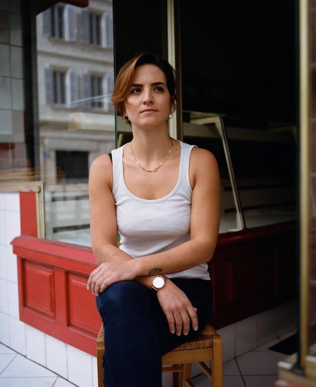 La cheffe Laëtitia Visse, 30 ans, à La Femme du boucher, le restaurant qu'elle a ouvert il y a quelques semaines, à Marseille, le 25 octobre.