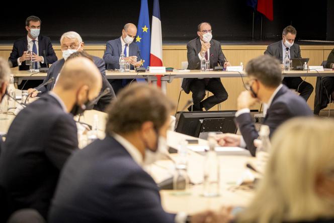 Le premier ministre Jean Castex lors d'une réunion d'information et de consultation sur la situation sanitaire, le 27 octobre 2020, au ministère de la santé, à Paris.