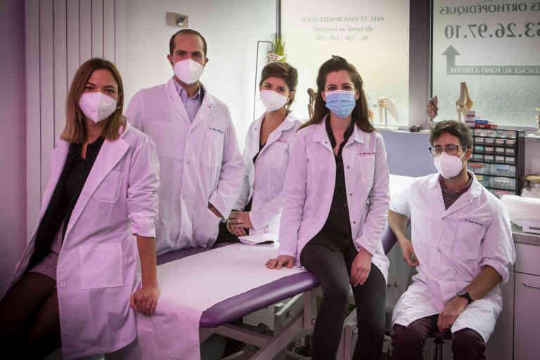 5 des 7 generalistes du cabinet medical: de gauche a droite : Dr Laura SABIR, Dr Stephane SITBON (le fils du fondatur du cabinet), Dr Amelie CHARBON, Dr Elinor MARCIANO, Dr Mickael BUGE