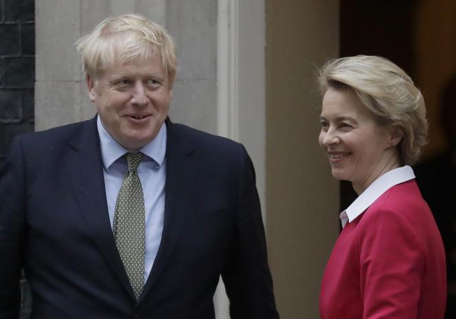Le premier ministre britannique, Boris Johnson, et la présidente de la Commission européenne, Ursula von der Leyen, à Londres, le 8 janvier.