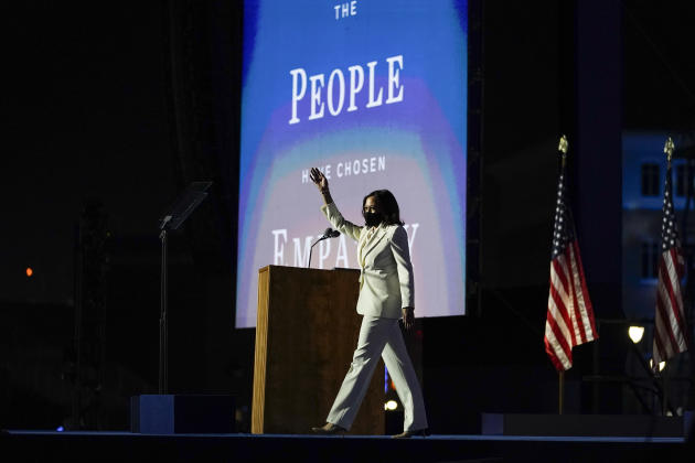 La vice-présidente élue Kamala Harris arrive pour prendre la parole, à Wilmington (Delaware),le 7 novembre.