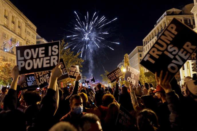 Feu d'artifice pour fêter la victoire de Joe Biden à la présidence, sur la place «Black Lives Matter», à Washington DC, le 7 novembre.