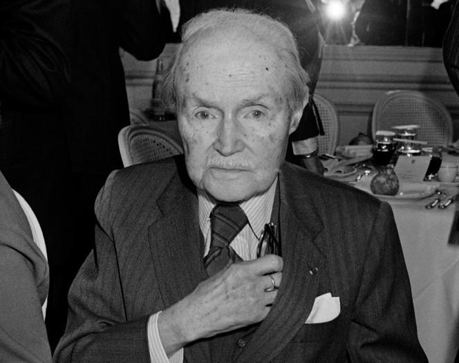 Le secrétaire général de l'Académie française, Maurice Genevoix,au cercle interallié de Paris,le 27 février 1979.