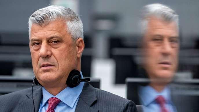 L'ancien président du Kosovo Hashim Thaçi comparaît pour crimes contre l'humanité et crimes de guerre devant le tribunal spécial pour le Kosovo, à La Haye, au Pays-Bas, le 9 novembre 2020.