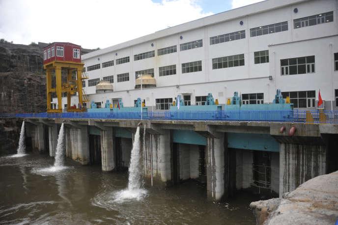 Le barrage de Kaléta, en Guinée, lors de son inauguration, en septembre 2015.