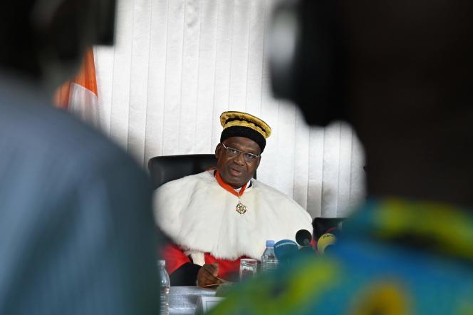 «M. Alassane Ouattara est proclamé élu au premier tour [avec 94,27 % des voix » , a déclaré le président du Conseil constitutionnel.