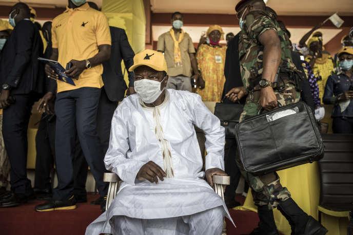 Le président guinéen, Alpha Condé, lors d'un meeting à Conakry, le 16octobre 2020.