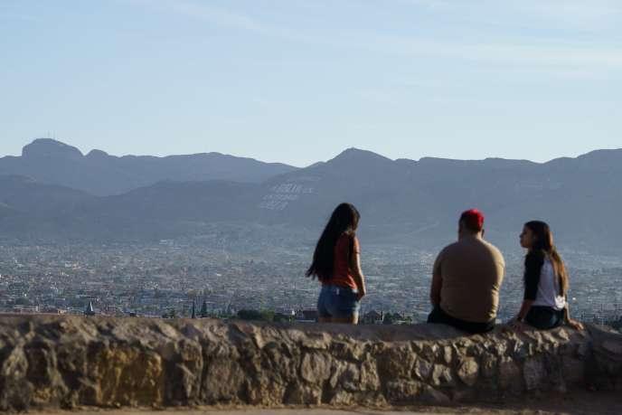 Des adolescents américains, dont l'indice de masse corporelle est plus élevé qu'ailleurs selon l'étude du « Lancet », à El Paso (Texas), le 24 octobre.