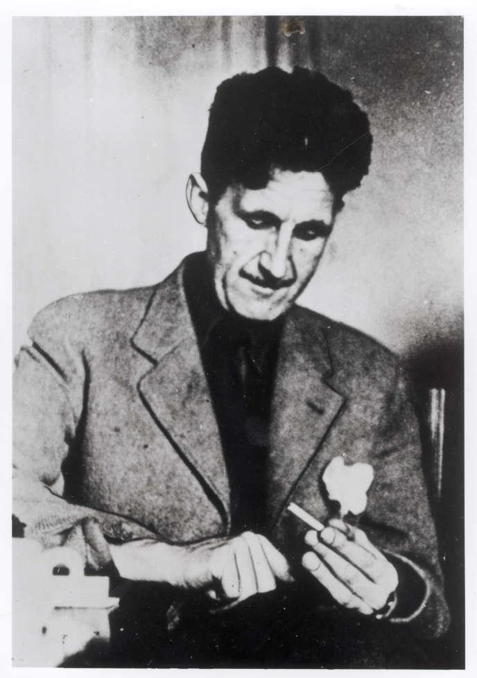 L'écrivain britannique George Orwell, photo non datée.
