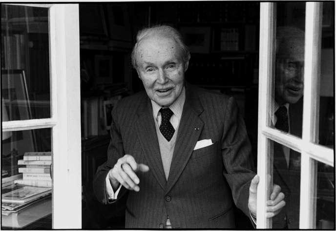 L'écrivain Maurice Genevoix, à Orléans, en 1979.