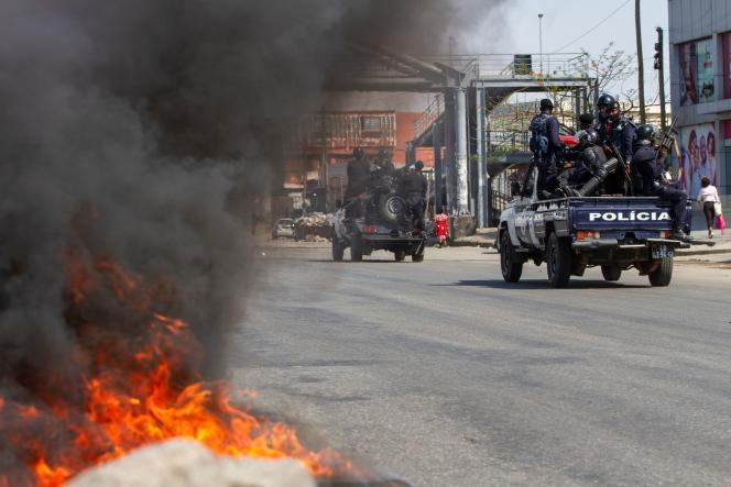 Lors d'une manifestation antigouvernementale le jour de l'Indépendance à Luanda, la capitale angolaise, le 11 novembre.