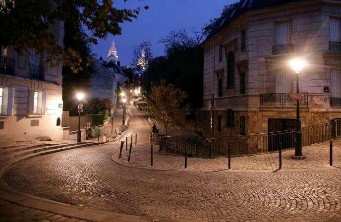 Les rues désertes de Montmartre, à Paris, le 22 octobre.