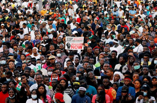Lors d'une manifestation contre les violences policières, à Lagos, le 17octobre 2020.