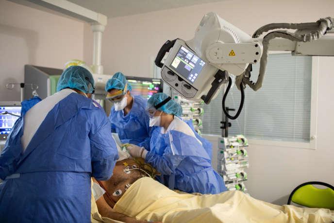 Service de réanimation de l'hôpital Bichat, à Paris (18e), le10 novembre 2020.
