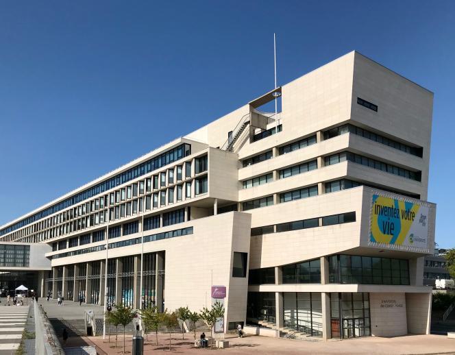 L'université de Cergy a créé plusieurs cursus en un an, afin notamment d'absorber l'afflux de candidats sur Parcoursup.