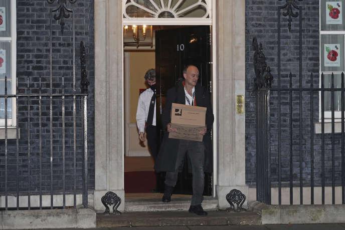 Dominic Cummings quitte le 10 Downing Street, à Londres, le13 novembre.