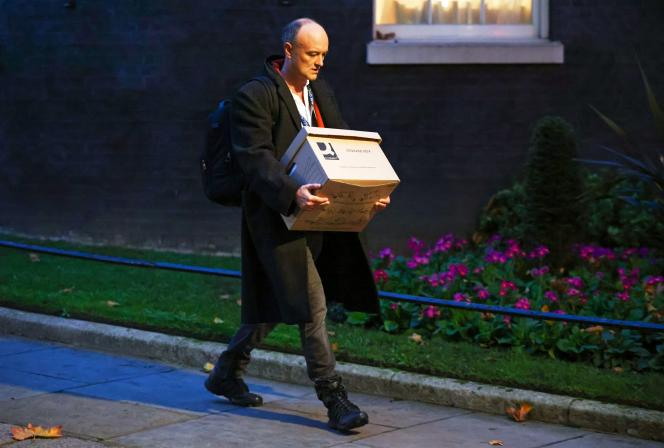 Dominic Cummings quitte le 10 Downing Street.