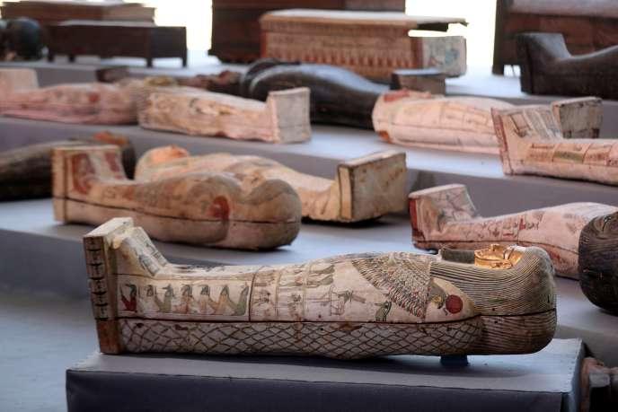 Les sarcophages découverts sont vieux de 2 500 ans.