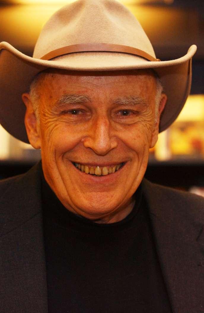 L'écrivain américain Luke Rhinehart à Londres, le 4 mai 2005.