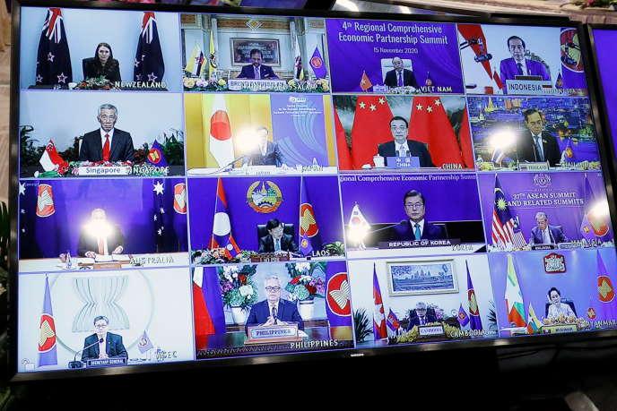 Rencontre virtuelle en vue de la signature du Partenariat régional économique global (RCEP), lors du sommet de l'Asean du dimanche 15 novembre 2020.