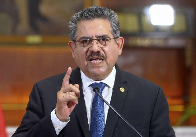 Manuel Merino annonce sa démission, dimanche 15 novembre.
