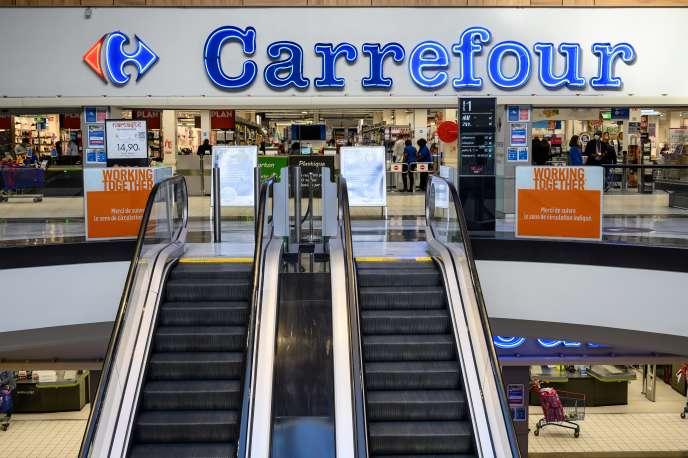 Un supermarché Carrefour, à Rosny-sous-Bois (Seine-Saint-Denis), le 3 novembre 2020.