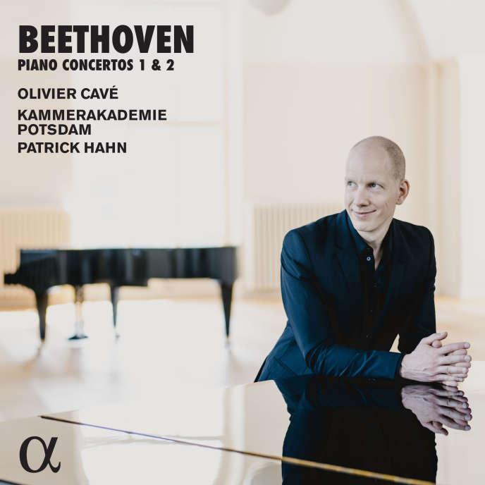 Pochette de l'album «Concertos pour piano 1 et 2», de Beethoven, par Olivier Cavé (piano), Kammerakademie Potsdam, Patrick Hahn (direction).