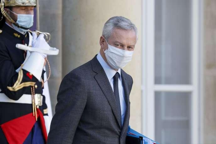Le ministre de l'économie et des finances Bruno Le Maire quitte l'Elysée après son rendez-vous hebdomadaire, le 18 novembre.