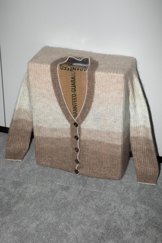 Cardigan, en mohair et laine, Brunello Cuccinelli, 1 690 €.