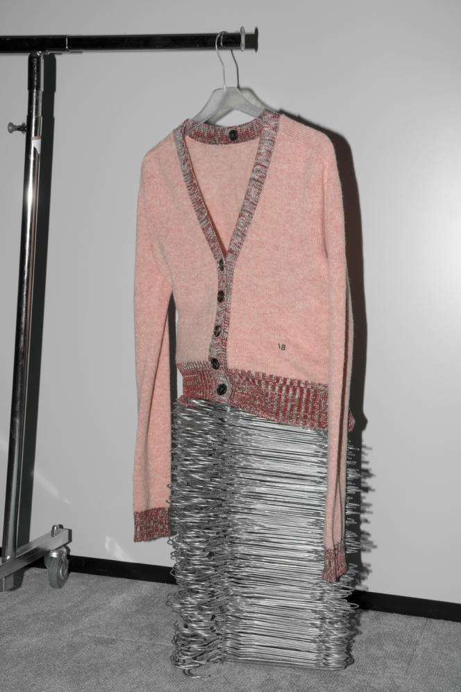 Cardigan, en laine Shetland, Victoria Beckham, 790 €.