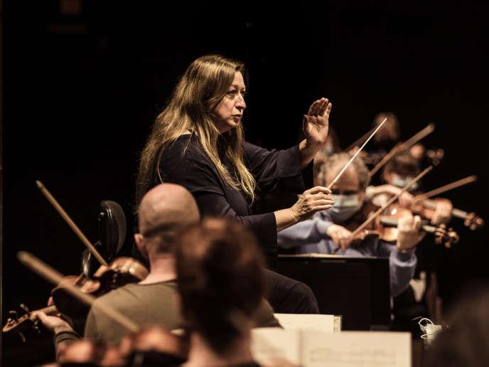 Répétition générale de l'Orchestre de Paris dirigée par Simone Young et accompagnée de la soprano Elza van den Heever. Philharmonie de Paris, le 18 novembre 2020.