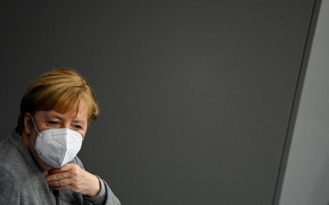 La chancelière allemande Angela Merkel au Bundestag, à Berlin, le 18 novembre.