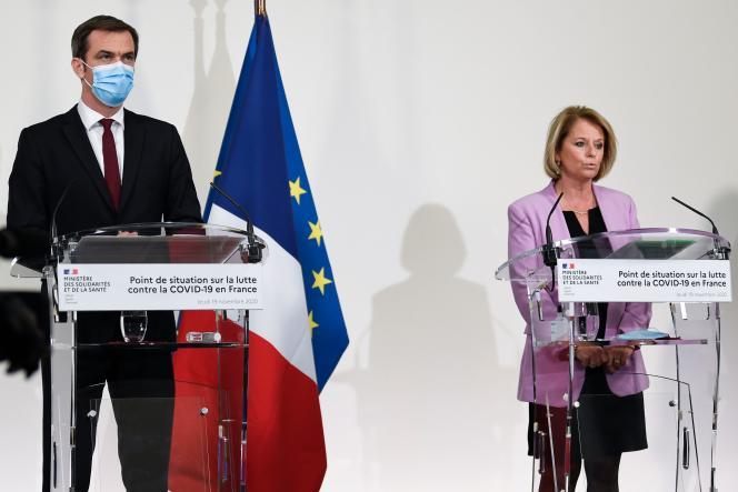 Olivier Véran, ministre de la santé, et Brigitte Bourguignon, ministre déléguée à l'autonomie,à Paris, le 19 novembre 2020.