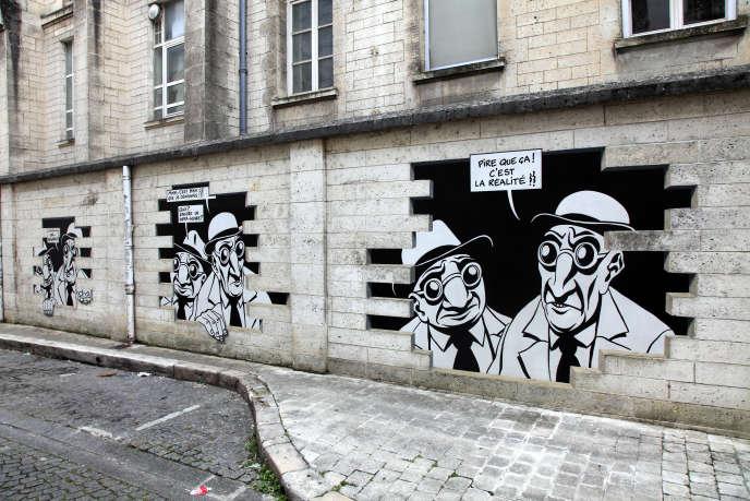 «Réalité sortie de secours» de Marc Antoine Mathieu, rue de Beaulieu à Angoulême (Nouvelle-Aquitaine).