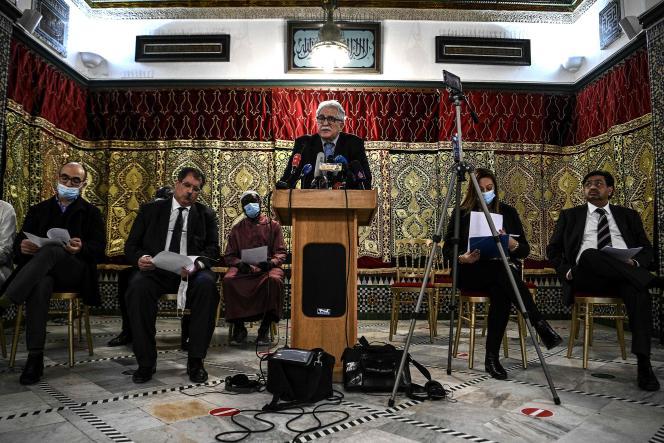 Le recteur de la Grande Mosquée de Paris, Chems-Eddine Hafiz, lors d'une conférence de presse, à Paris, le 2novembre.