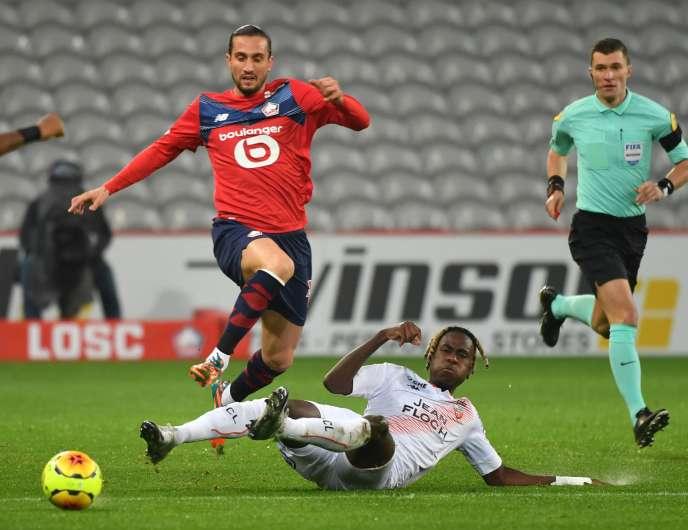 Premier doublé en Ligue 1 pour le Lillois Yusuf Yazici (maillot rouge) qui a survolé Lorient, dimanche 22 novembre lors de la 11e journée de championnat.