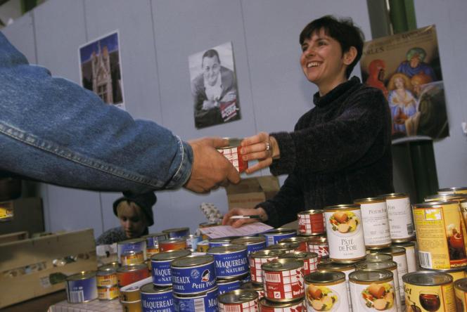 Le plafond de laréduction d'impôt de 75 % pour les dons aux organismes aidant les personnes en difficulté, surnommés « dons Coluche», a été exceptionnement doublé en 2020.