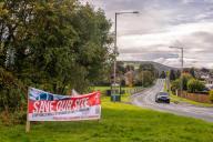 Une banderole syndicale appelant à sauver le site de l'usine Rolls-Royce deBarnoldswick (nord de l'Angleterre), le 6 octobre.